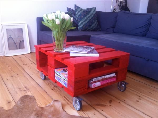 Red Pallet Coffee Table with Wheels   Pallet Furniture DIY