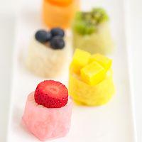 RAINBOW FRUIT SUSHI