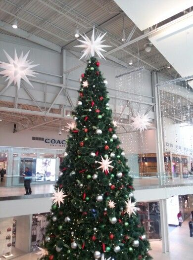 Christmas Tree At Jersey Gardens Mall In Nj Travels Pinterest Mall
