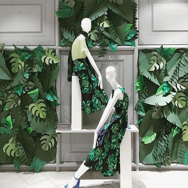 Jungle vibes #dunnesstores #mannequin #windowdisplay #retaillife #visualmerchandising #vmdaily #visualmerchandiser via @vmonthegreen