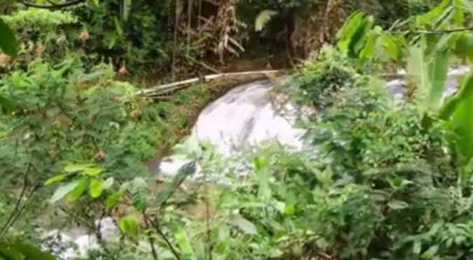 Wow! Ada Air Terjun Tujuh Tingkat di Dekat Taman Nasional Bukit Barisan Selatan - Teras Lampung