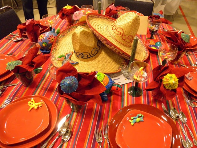 17 best images about cinco de mayo tables on pinterest orange pink cinco de mayo party and - Cinco de mayo party decoration ideas ...