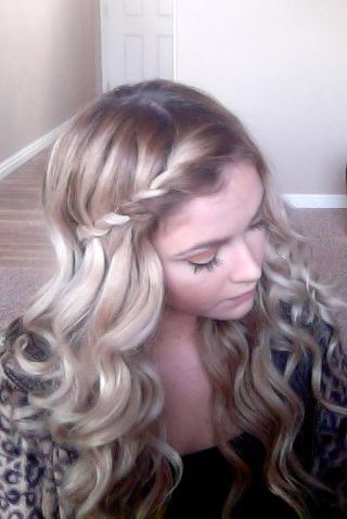 This is how I would like to do my hair for this wedding I'm going to. It would go great with the outfit.
