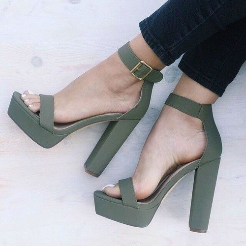 Swooning over these gorgeous olive block-heeled sandals. Style them with your favorite flowy dress, or a pair of skinny jeans and a blouse.