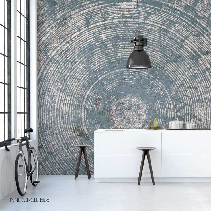 This stunning grunge inner circle wallpaper mural by behangfabriek is specially designed for those who dare to be different