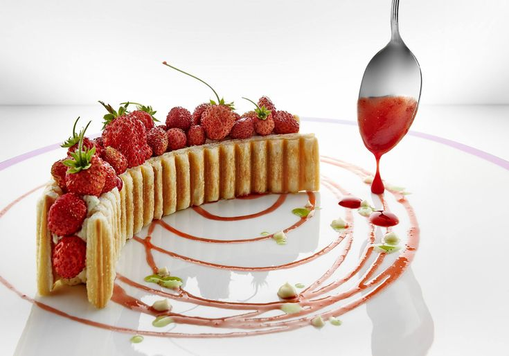 Le millefeuille aux fraises des bois - Hôtel du Cap-Eden-Roc