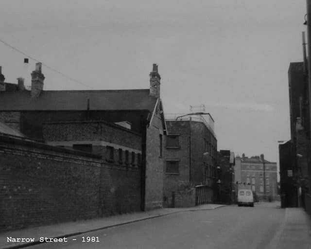 Narrow Street 1981