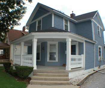 Stylish Front Porch. http://extremehowto.com/install-column-wraps-for-a-stylish-front-porch/