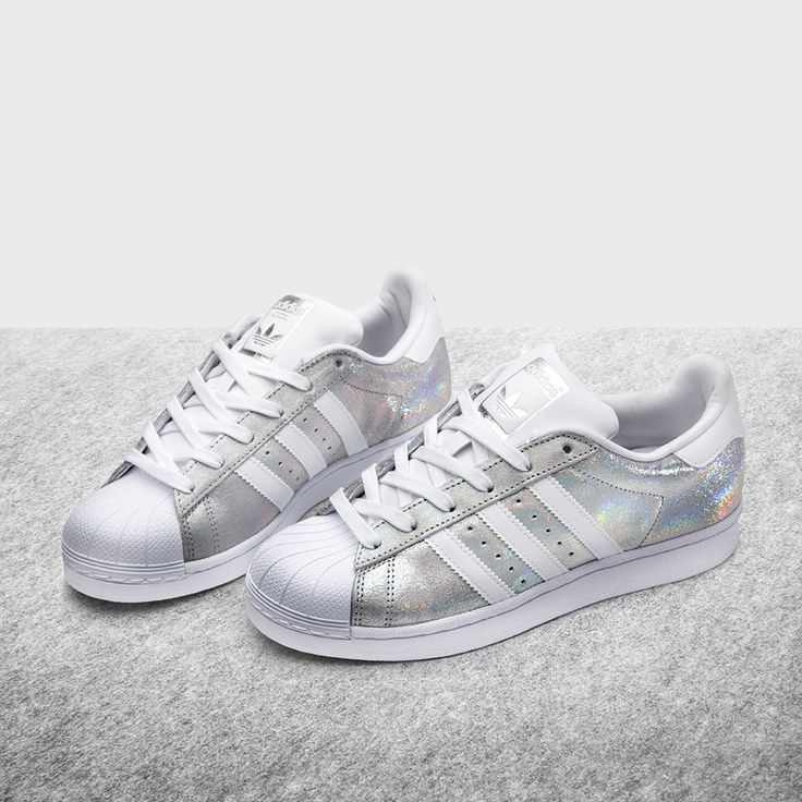 white adidas superstar trainers size