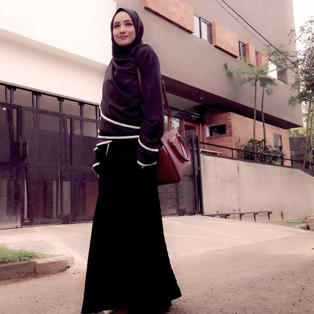 Model Hijab Syari Cindy Fatika Sari Trend Hijab Artis 2015