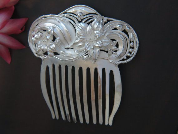 Bridal haircomb   Lily hair comb  Silver haircomb  Flower  #haicomb #bridalhaircomb #lilyhaircomb #wedding #silverjewelry #unique uniquejewellry #weddinghaircomb #sterlingsilver #accessories #flowercomb #flowerhaircomb #combs #hairaccessories #lilycomb #handmadejewelry #jewelry #silver #fashoin