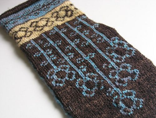 Ravelry: Project Gallery for Vinterblomster mittens pattern by Heidi Mork