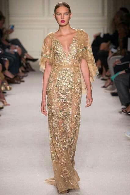 Marchesa #nyfw s/s 2016 l think this dress is georgous! #marchesa #nyfw2016