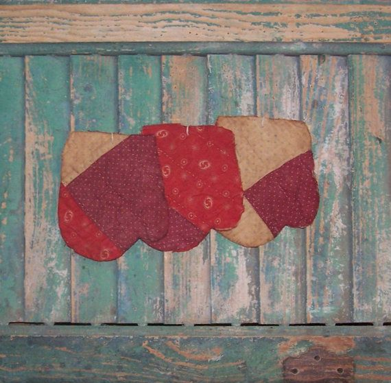 Primitive Mitten Ornaments Antique Quilt by PrairiePrimitives