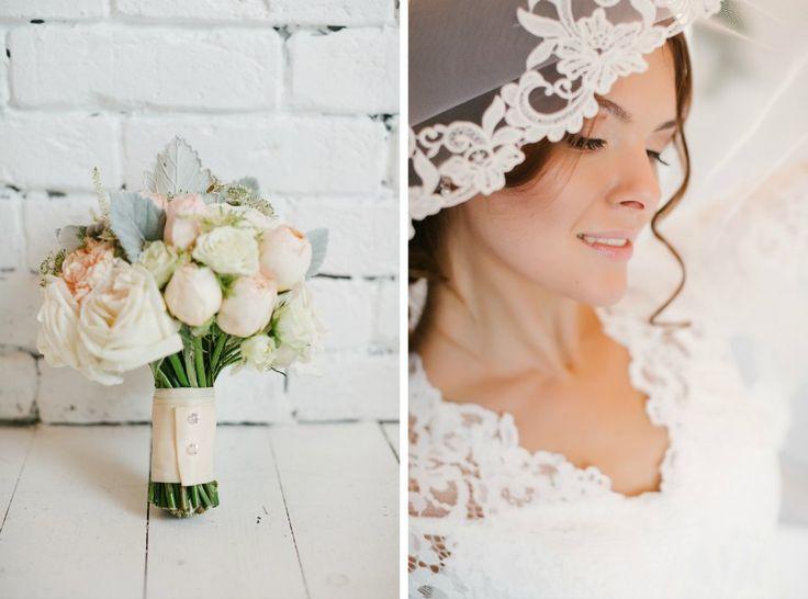 Букет невесты и бутоньерка жениха - Свадебное агентство Wedkitchen