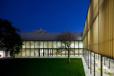 Vergilio-Ferreira-High-School-by-Atelier-Central-Arquitectos_dezeen_468_33