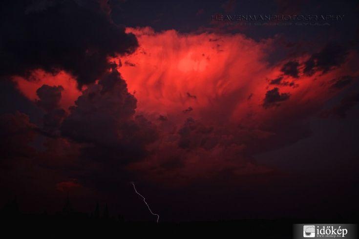 Viharok és nyári naplemente