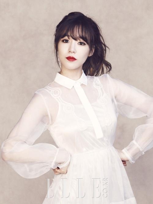 少女時代ティファニー、ホワイトドレス姿の女神に変身【写真4枚】