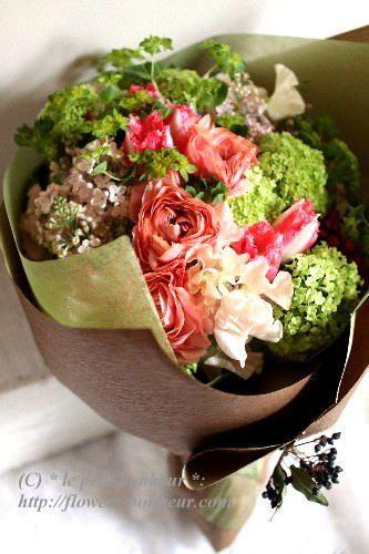 小ぶりでかわいい花を集めて♡結婚式に渡す両親への花束のおしゃれ一覧♡ウェディング・ブライダルの参考に♪