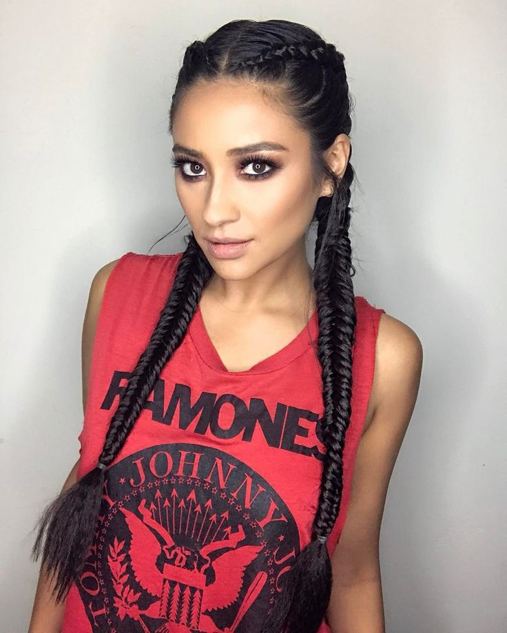 """185k Likes, 1,075 Comments - Shay Mitchell (@shaym) on Instagram: """"These braids give me street Cred in the gym… right? thank you @shidacoiffeur for the tight braids!"""""""