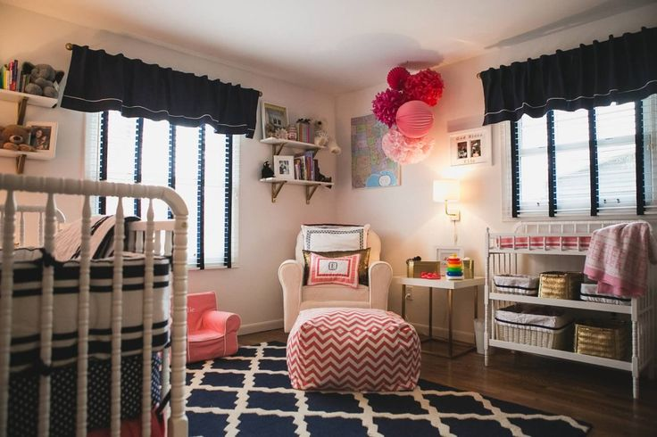 Navy and Coral Nursery with Gold Accents - we love this modern twist on a classic nursery!