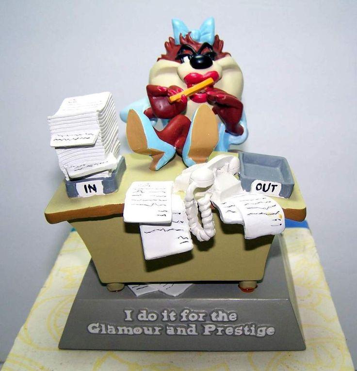 NIB Mrs.Taz Glamour Figurine Tasmanian Devil Looney Tunes Warner Brothers Store