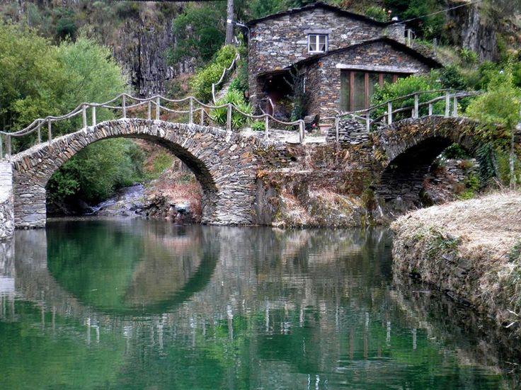 Calmas Águas de Foz d'Égua - Piodão, Portugal