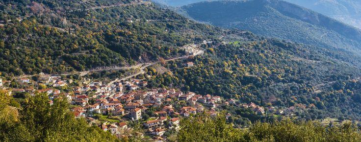 Don΄t stay at #home this #weekend! Get ideas for nearby destinations and one-day excursions! Book now a #travelgems day excursion to Arcadia #greece #family #tgif #trip #october #naturelovers #hiking #active