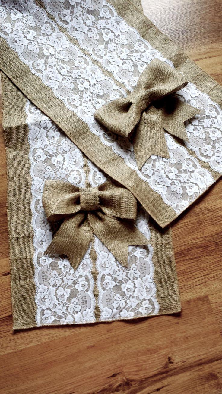 Camino de mesa de boda encaje y arpillera por Littlewhiteboutique                                                                                                                                                                                 Más