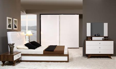 Fiona yatak odası takımı içerisindeki parçalar: dolap, şifonyer, ayna, karyola, komodin 2 adet.