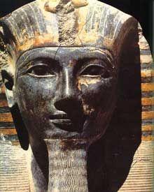 Statue de Thoutmosis III. XVIIIè dynastie. Musée du Caire. (Site Egypte antique)