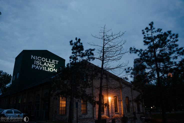 NIP at Night | Nicollet Island Pavilion Wedding with Stacey & Nick | Daniel Dinsmore Photography