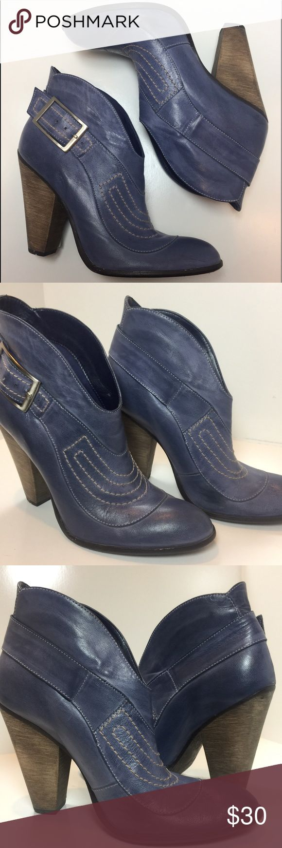 Carlos Santana Bandit Boots Excellent condition.. Leather upper. Smoke free and pet free home. Carlos Santana Shoes Heeled Boots
