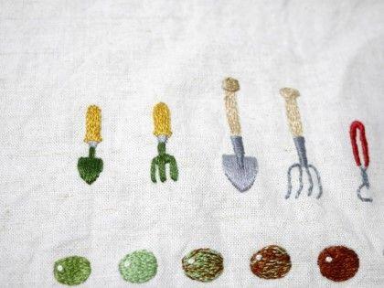 프랑스 자수Embroidery ' 프랑스자수 : garden goods' 어제 놓았던 콩씨 자수 위에 한땀한땀 뭔가 어울릴...