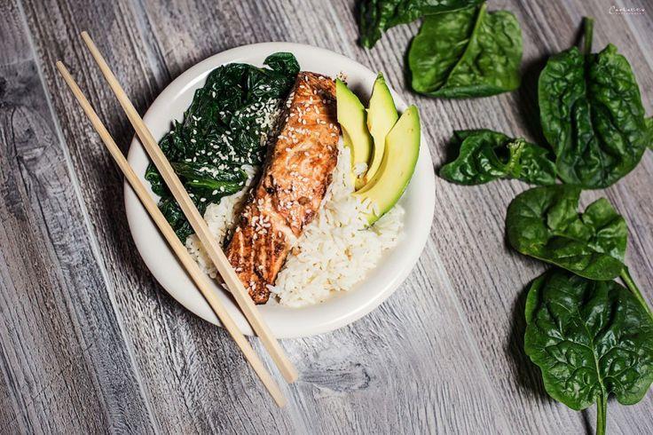 Ein feines, sehr gesundes Reisgericht mit einfacher Sauce aus frischem Zitronensaft und Sojasauce. Durch die Kombination von frischem Fisch, Reis und Gemüse ein richtiges Powerfood!