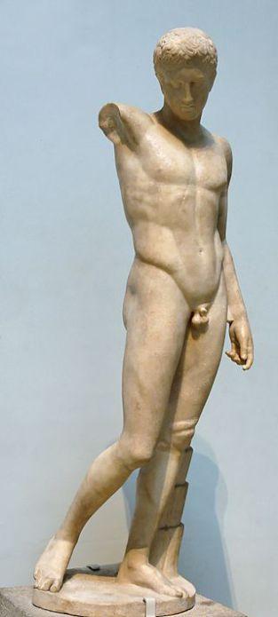 Policleto. «Efebo Westmacott». Copia romana in marmo da originale greco, 450 a.C. ca. London, British Museum.