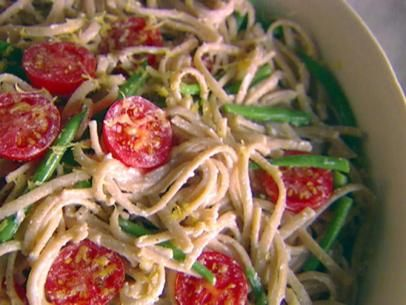 Whole-Wheat Linguine with Green Beans, Ricotta, and Lemon. MIght have to omit the tomatoes due to tomato haters in my home ... or maybe I'll leave them in & they can eat around them ;)