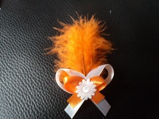 Svadobné pierko s oranžovým perím + biela+oranžová
