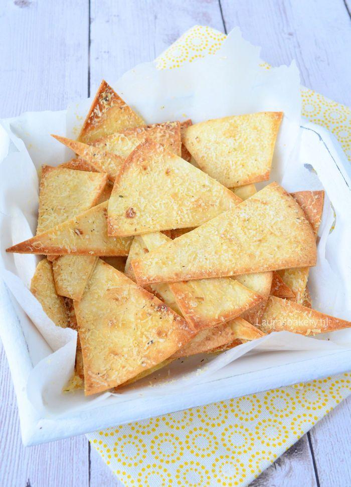 Tortilla chips met Parmezaanse kaas