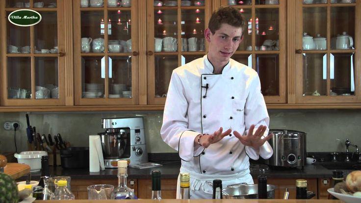 Vanilleeis Eis selber machen Kochschule Villa Martha am Küchensee  www.villa-martha.de  Zutaten Vanilleeis Eis selber machen   6 Eier 200g Zucker 250 ml Milch 250 ml Sahne 1 Vanilleschote