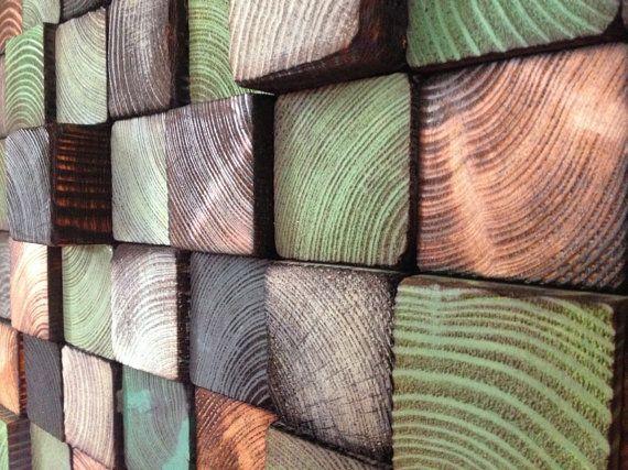 La mosaïque se compose de pins éléments attachés aux panneau OSB. Chacun deux a été peint à la main et coupé j, donc limage est unique et naura jamais une copie identique. Dimensions:    Largeur: 81,5 cm  Hauteur: 31 cm  Épaisseur: 2 - 5 cm  Poids: environ 4,5 kg    Vous pouvez accrocher un par un, en créant leurs propres compositions et remplir les plus grandes surfaces. Au verso il y a des pendentifs de la mosaïque de laccrocher sur le mur ou la création dun certain nombre de ses…