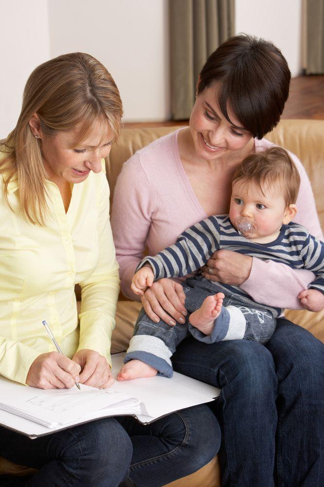 Няня приступает к работе: о чём должны рассказать ей родители?
