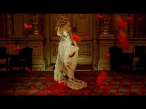 Gwen Stefani - Early Winter   Music video by Gwen Stefani performing Early Winter. (C) 2007 Interscope Records