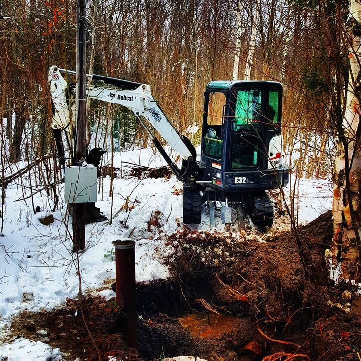 Winter fun on the mountain... #dodge #ram #5500 #Cummins #4x4 #dumptruck #landscaping #landscapersofinstagram #heavyduty #workgrind  #landscapeconstruction #construction #bobcat #roadwork #lawn #zeroturn #work #kubota #excavator #ramtruck #excavation #makemoney #dually #diesel #landscaper #hd #truck #4x4truck #offroad #Adirondacks