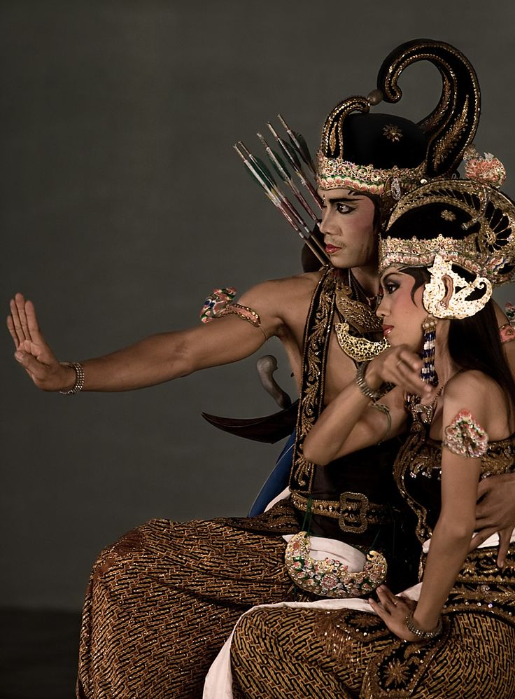 The Hindu epic, Ramayana, is performed on the (formerly Hindu) island of Java. @200mm |