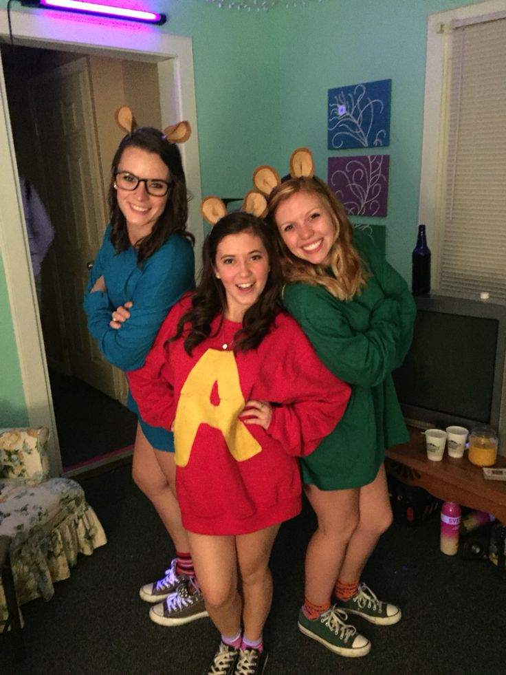 DIY Alvin and the Chipmunks costume.
