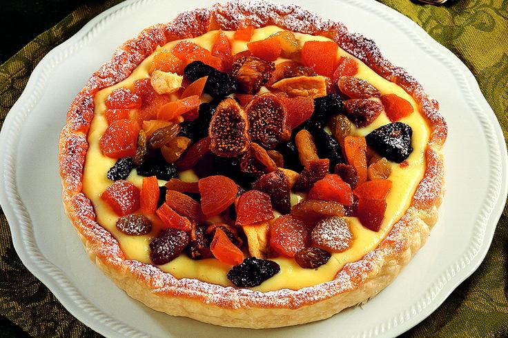 Sfogliata alla crema e frutta secca