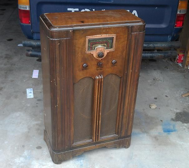 Rebuilding an old 1940's radio with modern parts
