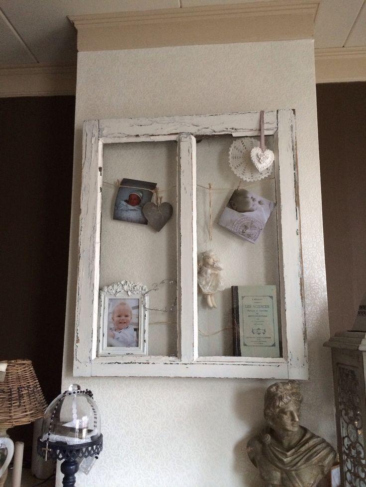 Oud raam gebruikt voor foto u0026#39;s en geboortekaartje   Super leuk boven de schouw in een brocante