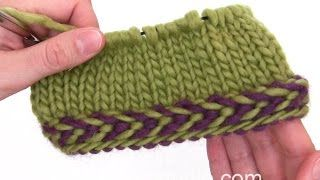 DROPS Knitting Tutorial: How to work a braided edge. Gepubliceerd op 20 jan. 2016In this DROPS video we show you how to work a braided edge. A braided edge is worked best in the round. We first cast on an even number of stitches with 2 different colors. And then we remove the loop from the beginning of the needle and place a marker before we knit the first round. We knit the colors alternately. The next two rounds are purled and remember to work the stitches in the same color as the round…